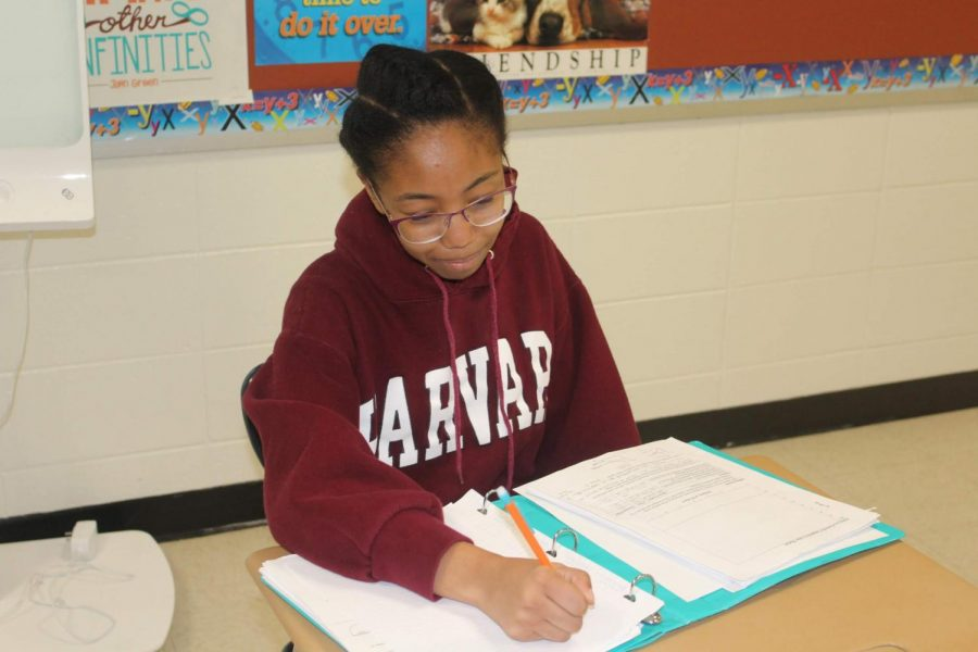 Seniors are applying themselves and applying to college