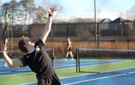 Bryson Bailey serving his way to state